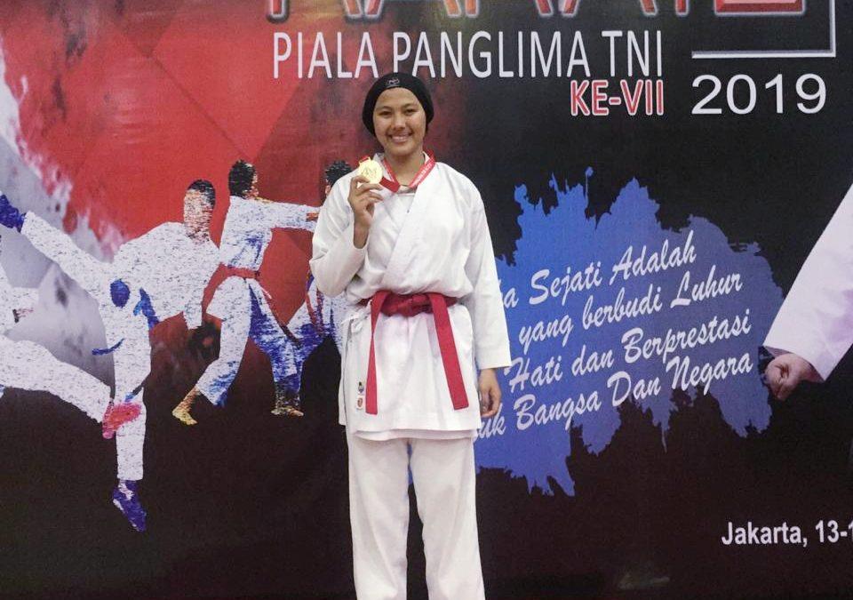 Ayu Sulistiandari , Mahasiswi UBL Sabet  Emas Kejurnas Karate Piala Panglima TNI ke VII