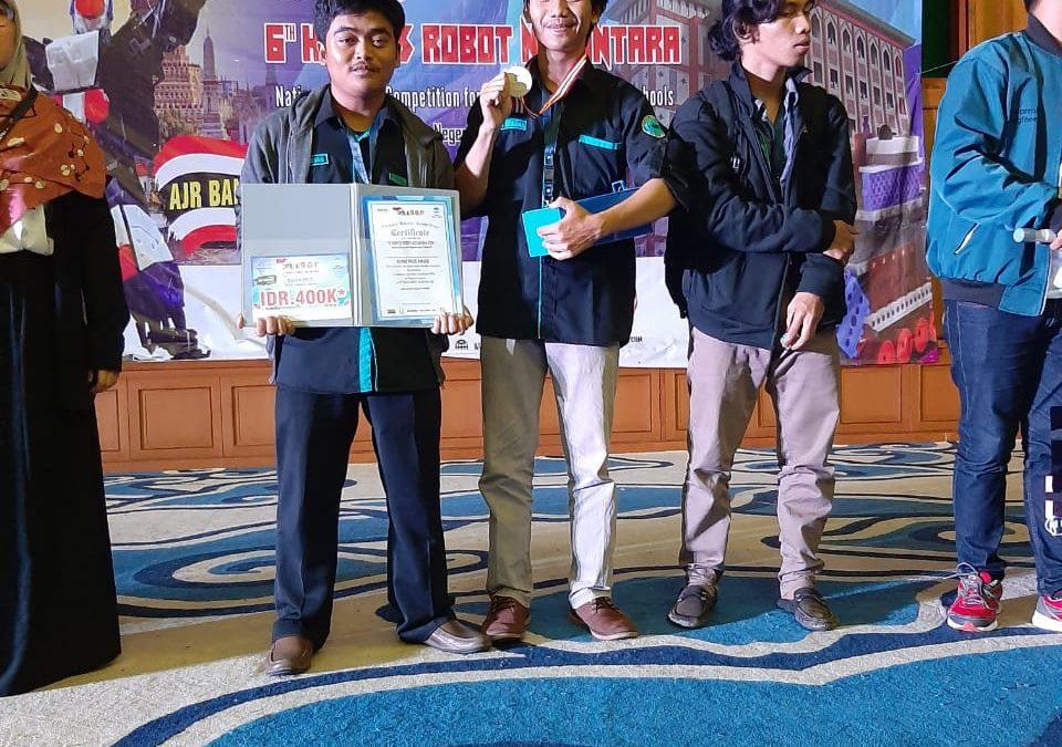 Ikuti Kontes Robot Nasional, Mahasiswa UBL Boyong Dua Penghargaan