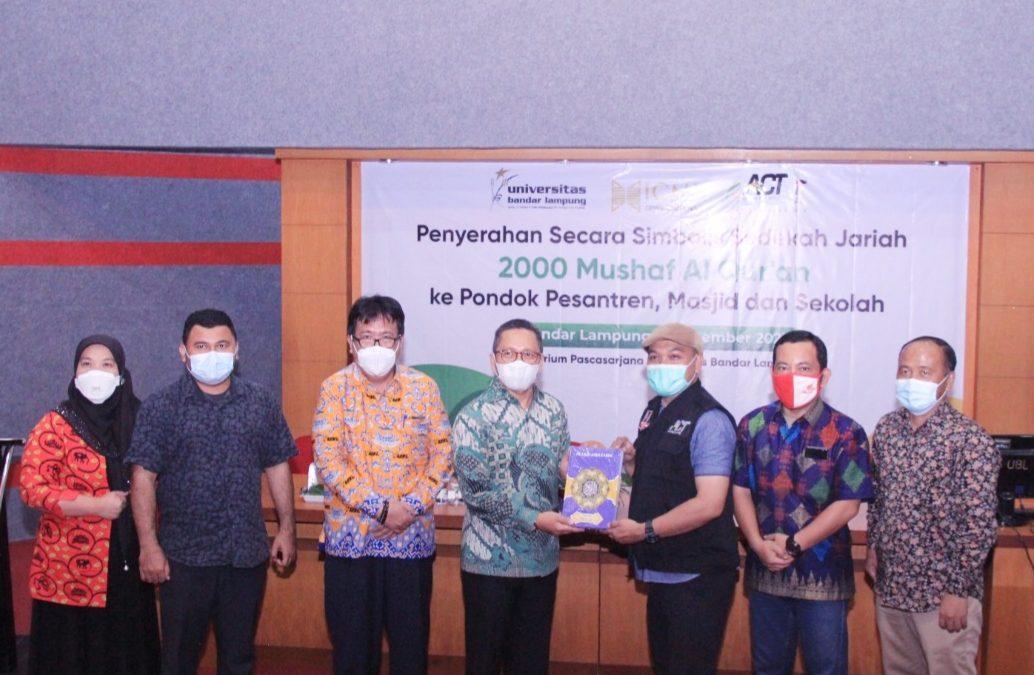UBL Bekerjasama Dengan ICMI Lampung dan ACT Salurkan 2000 Mushaf Al-Qur'an