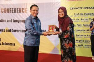 Prof.Dr.SalinaKasim7
